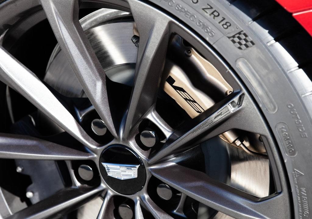 2022 Yeni Cadillac CT4-V Blackwing Fotoğrafları