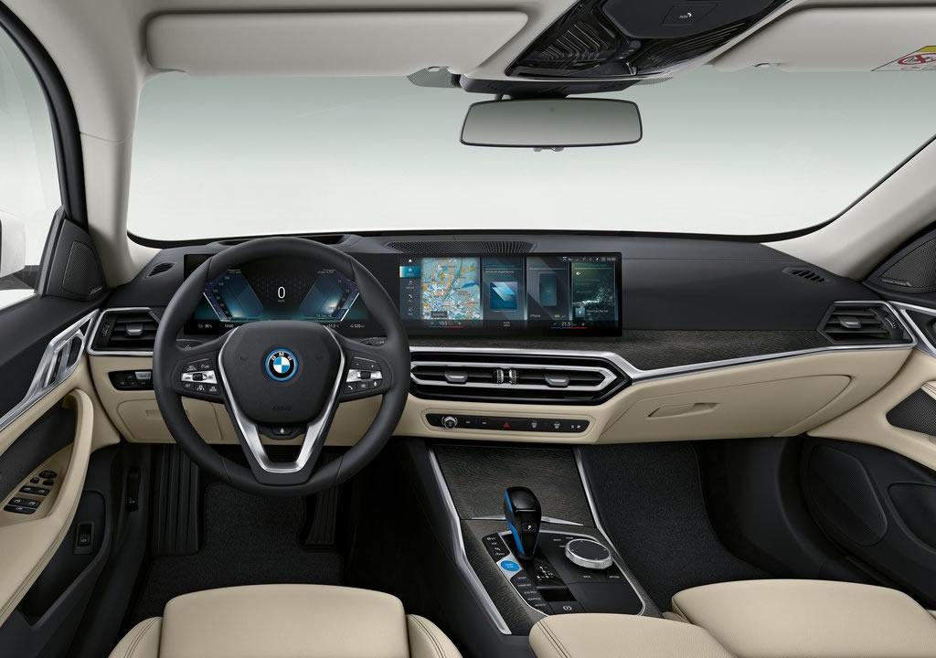 BMW i4 Kokpiti