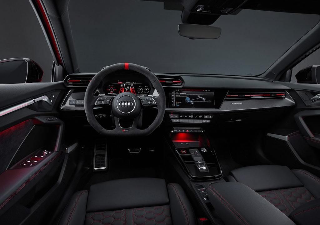 2022 Yeni Kasa Audi RS3 Kokpiti