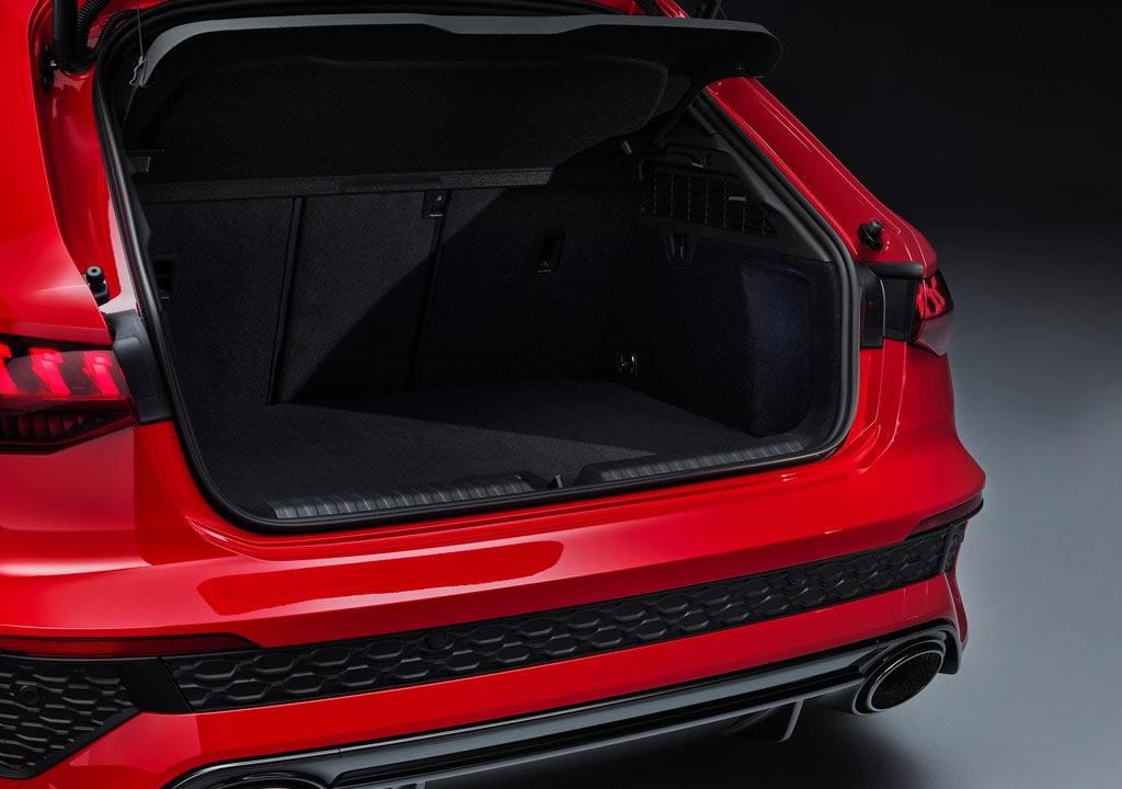 2022 Yeni Kasa Audi RS3 Bagaj Alanı