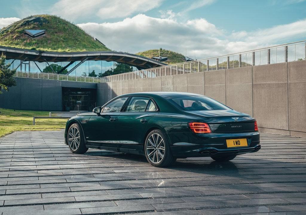 2022 Bentley Flying Spur Hybrid Teknik Özellikleri