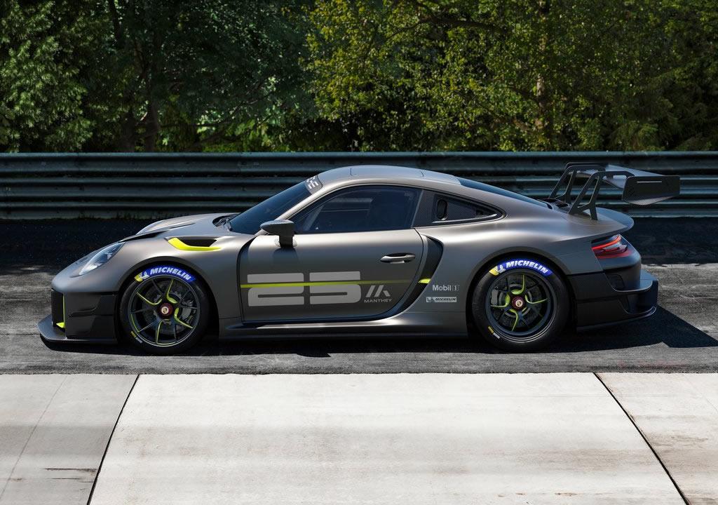2022 Porsche 911 GT2 RS Clubsport 25 Özellikleri