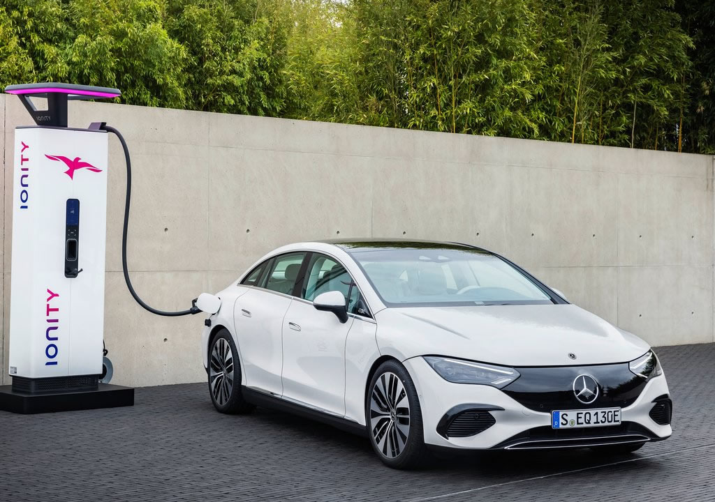 2023 Yeni Mercedes-Benz EQE Özellikleri