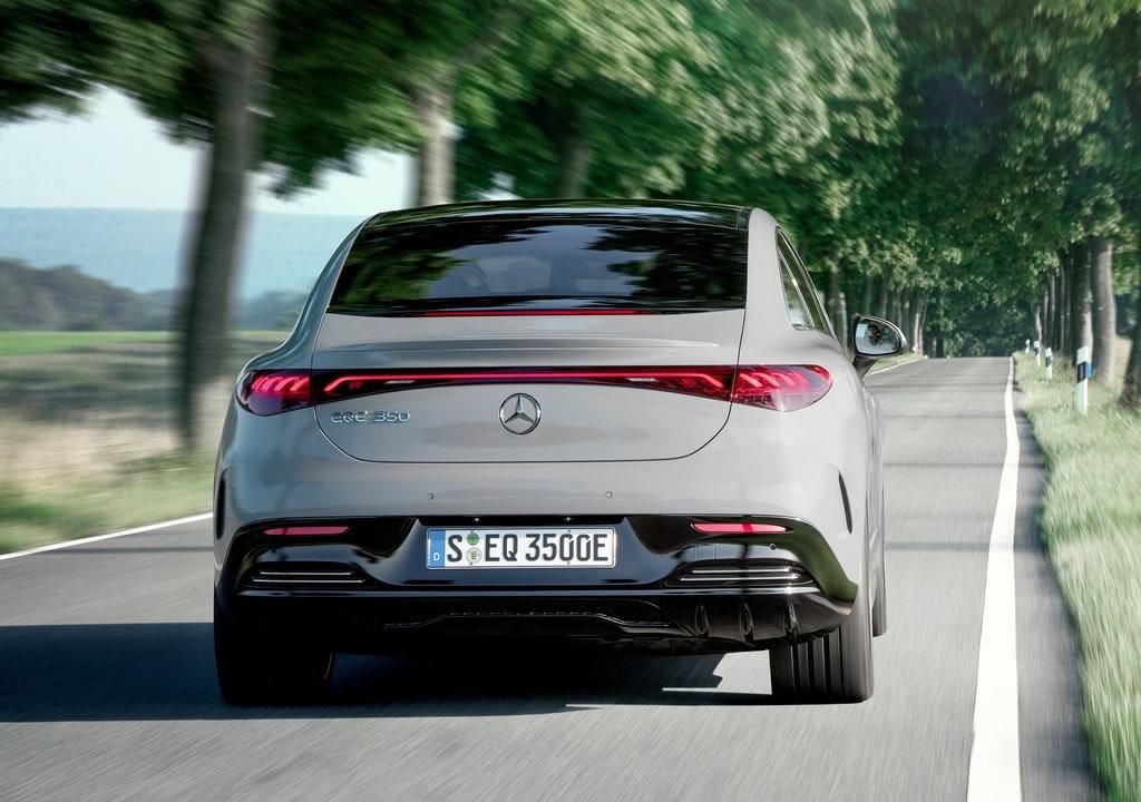 Yeni Mercedes-Benz EQE 0-100 km/s
