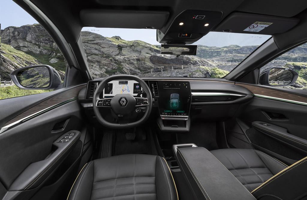 Yeni Renault Megane E-Tech Kokpiti